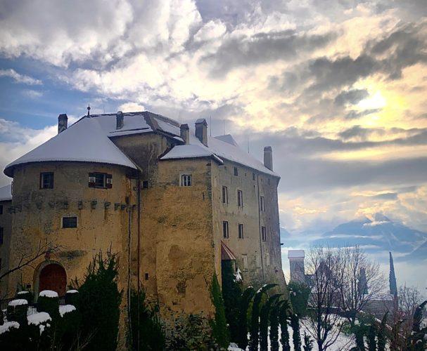 Land und Leute Teil 1: Schloss Schenna